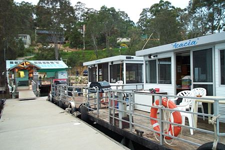 Clyde River Houseboats - Lightning Ridge Tourism