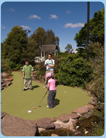 Wetlands Mini Golf - Lightning Ridge Tourism
