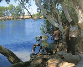 Rocky Pool - Lightning Ridge Tourism