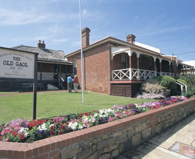 Old Gaol and Police Quarters - Lightning Ridge Tourism
