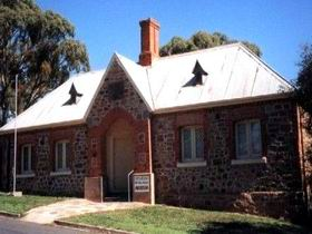 Old Police Station Museum - Lightning Ridge Tourism