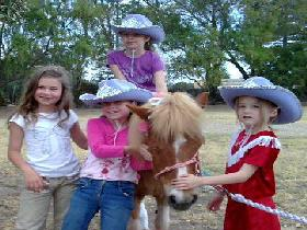 Amberainbow Pony Rides - Lightning Ridge Tourism