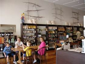 Blond Coffee and Store - Lightning Ridge Tourism