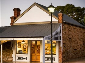 Hither and Yon Wines - Lightning Ridge Tourism