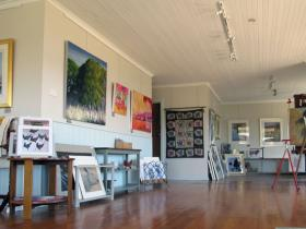 Tamar Valley Art Shack - Lightning Ridge Tourism