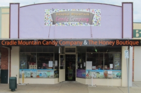 Cradle Mountain Candy Company and Honey Boutique - Lightning Ridge Tourism