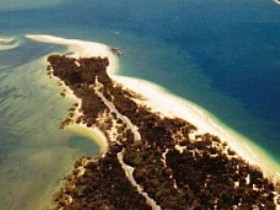 Inskip Peninsula Recreation Area - Lightning Ridge Tourism