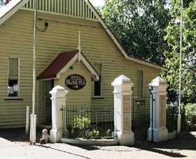 Montville Memorial Precinct - Lightning Ridge Tourism