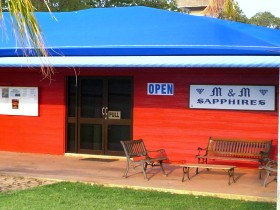 M and M Sapphires - Lightning Ridge Tourism
