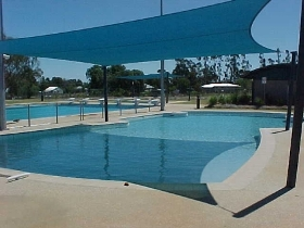 Tambo Aquatic Centre - Lightning Ridge Tourism