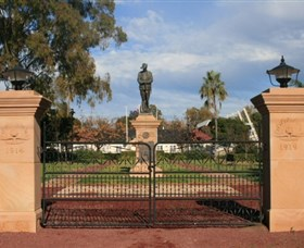 Dalby War Memorial and Gates - Lightning Ridge Tourism