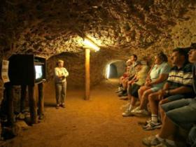 Miners Heritage Walk-In Mine - Lightning Ridge Tourism