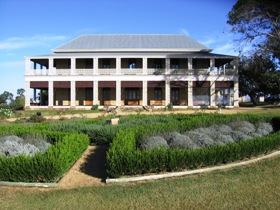 Glengallan Homestead and Heritage Centre - Lightning Ridge Tourism