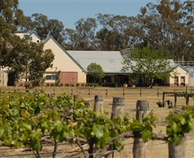 Balgownie Estate - Lightning Ridge Tourism