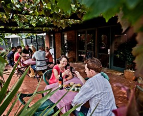 Barangaroo Boutique Wines - Lightning Ridge Tourism