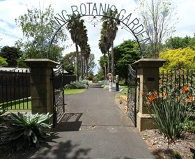 Friends of Geelong Botanic Gardens - Lightning Ridge Tourism