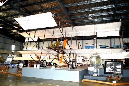 Australian Army Flying Museum - Lightning Ridge Tourism