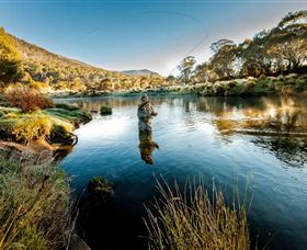 Fly Fishing Tumut - Lightning Ridge Tourism