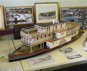 Wentworth Model Paddlesteamer Display