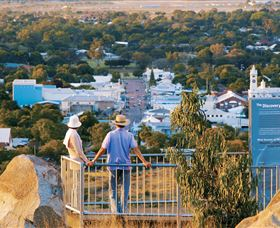 Towers Hill Lookout and Amphitheatre - Lightning Ridge Tourism