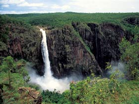 Wallaman Falls Girringun National Park - Lightning Ridge Tourism