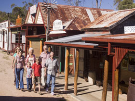 Historic Village Herberton - Lightning Ridge Tourism