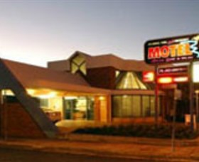 Dubbo RSL Club Resort - Lightning Ridge Tourism
