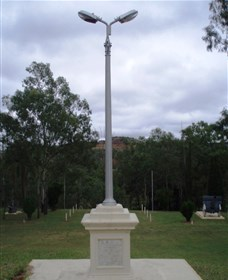 The Coronation Lamp Memorial - Lightning Ridge Tourism
