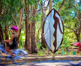 Wagirra Trail and Yindyamarra Sculpture Walk - Lightning Ridge Tourism