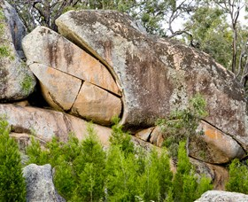 Frog Rock - Lightning Ridge Tourism