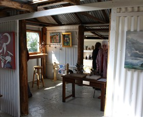 Tin Shed Gallery - Lightning Ridge Tourism