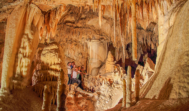 Kooringa Cave - Lightning Ridge Tourism