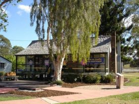 Hay Cottage Arts and Crafts Association Incorporated - Lightning Ridge Tourism