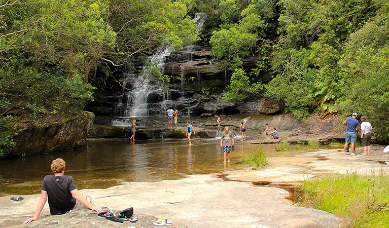 Somersby Falls picnic area - Lightning Ridge Tourism