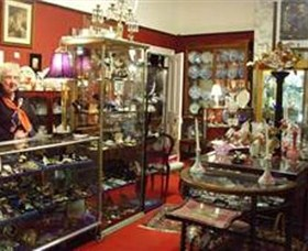 Nerilee Antiques - Lightning Ridge Tourism