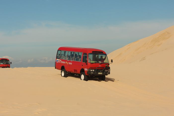 Port Stephens 4WD Tours - Lightning Ridge Tourism