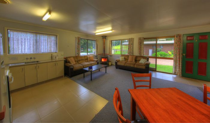 Bunya Mountains Getaway Accommodation - Lightning Ridge Tourism