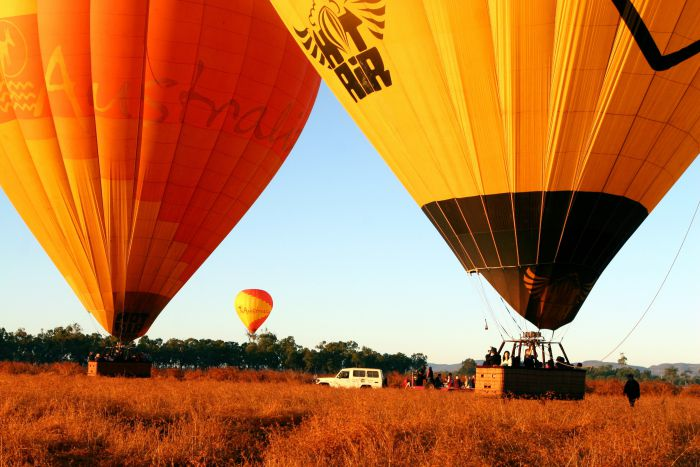 Hot Air Balloon Scenic Rim - Lightning Ridge Tourism