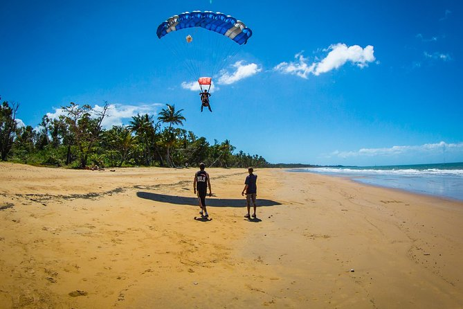 Beach Skydive from up to 15000ft over Mission Beach - Lightning Ridge Tourism