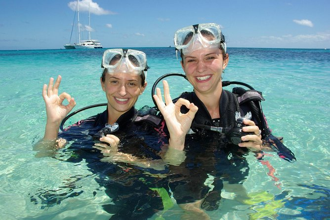 Ocean Spirit Michaelmas Cay Dive and Snorkel Cruise from Palm Cove - Lightning Ridge Tourism