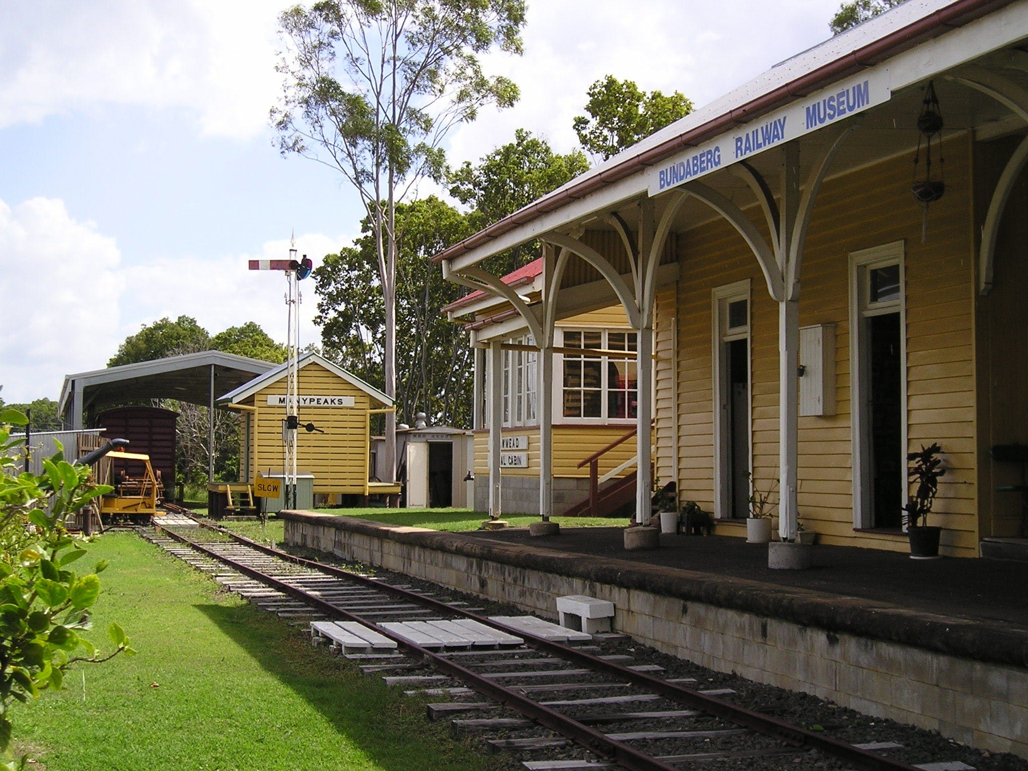Bundaberg Railway Museum - Lightning Ridge Tourism