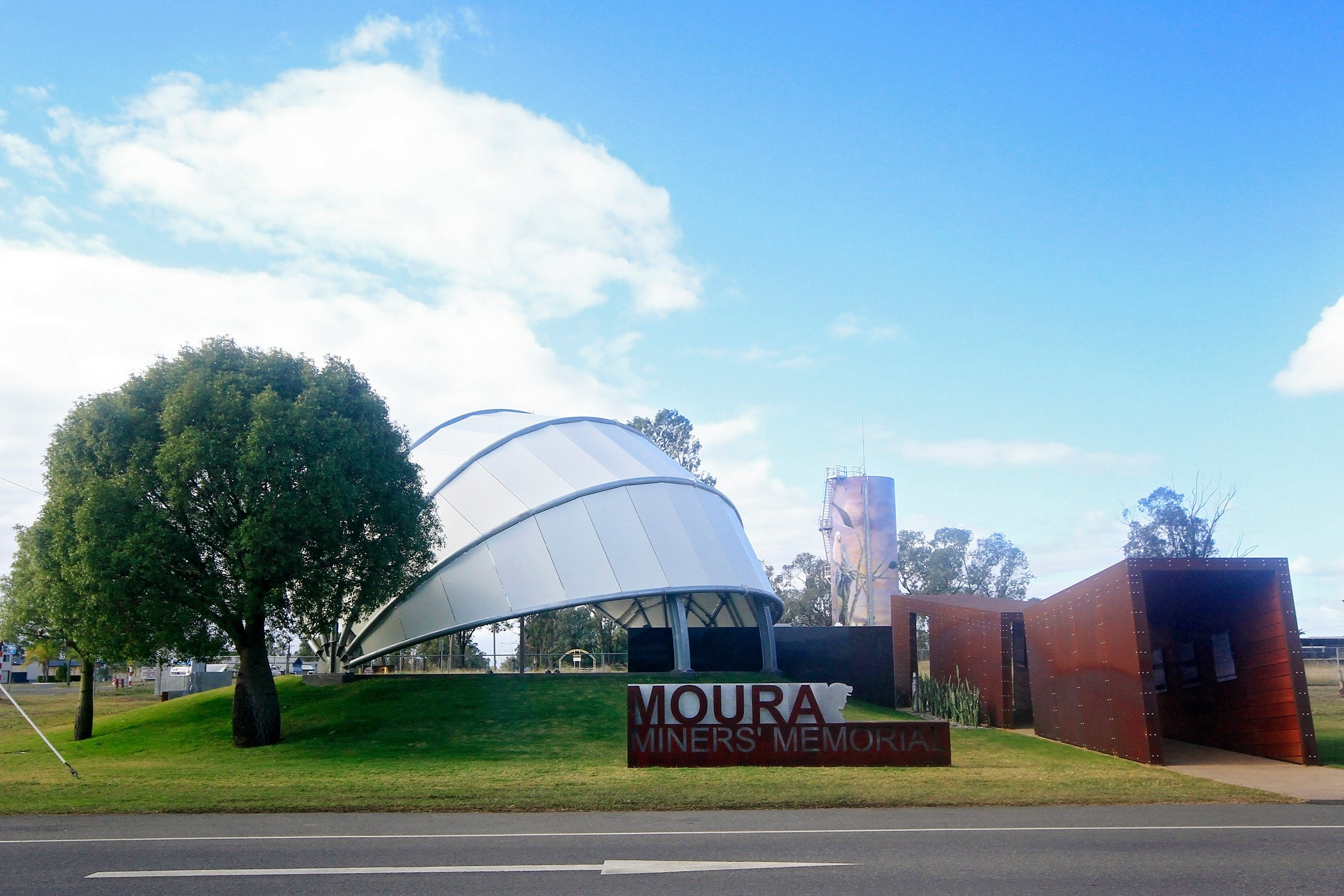 Moura - Lightning Ridge Tourism