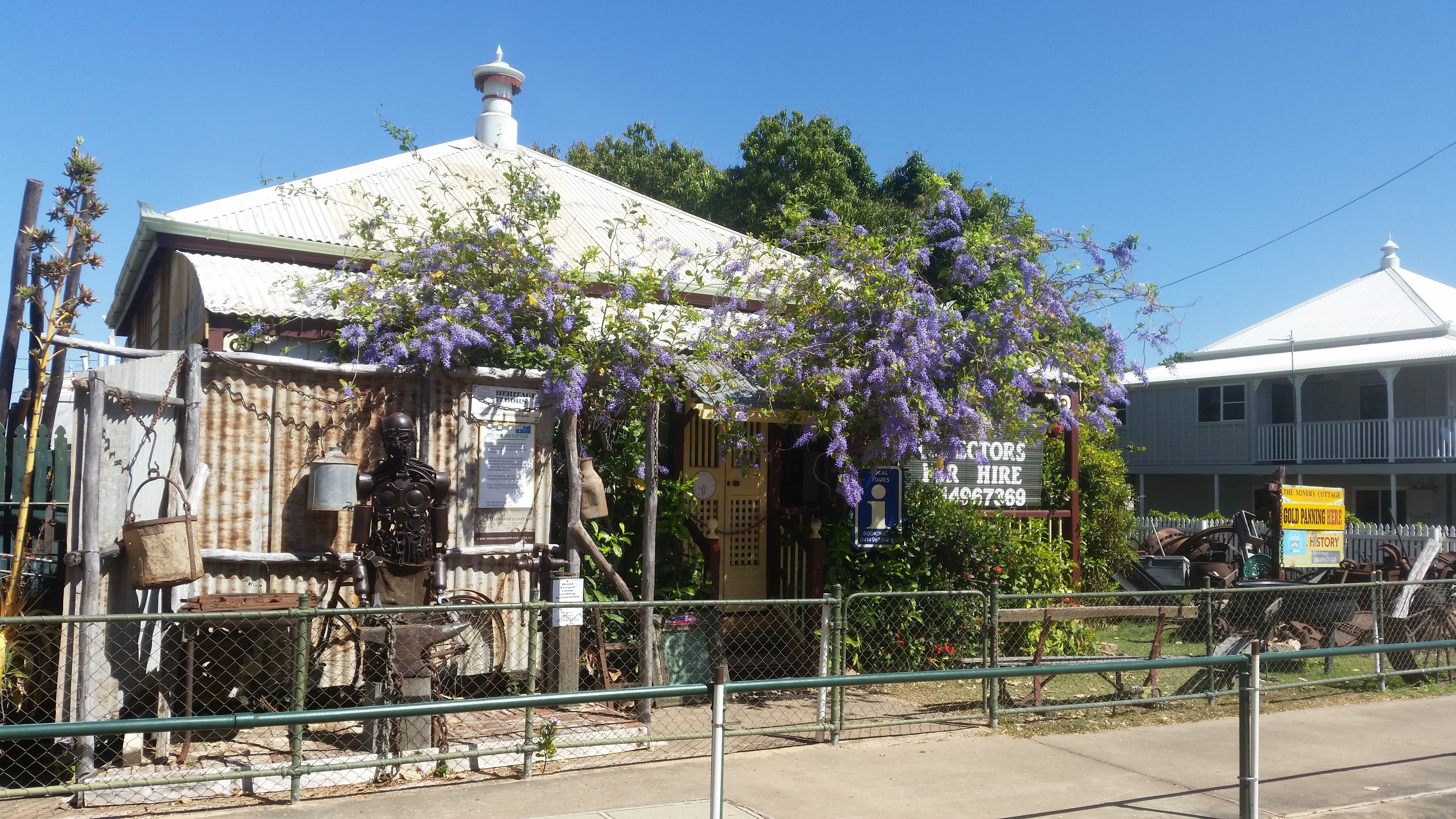 The Miner's Cottage - Lightning Ridge Tourism