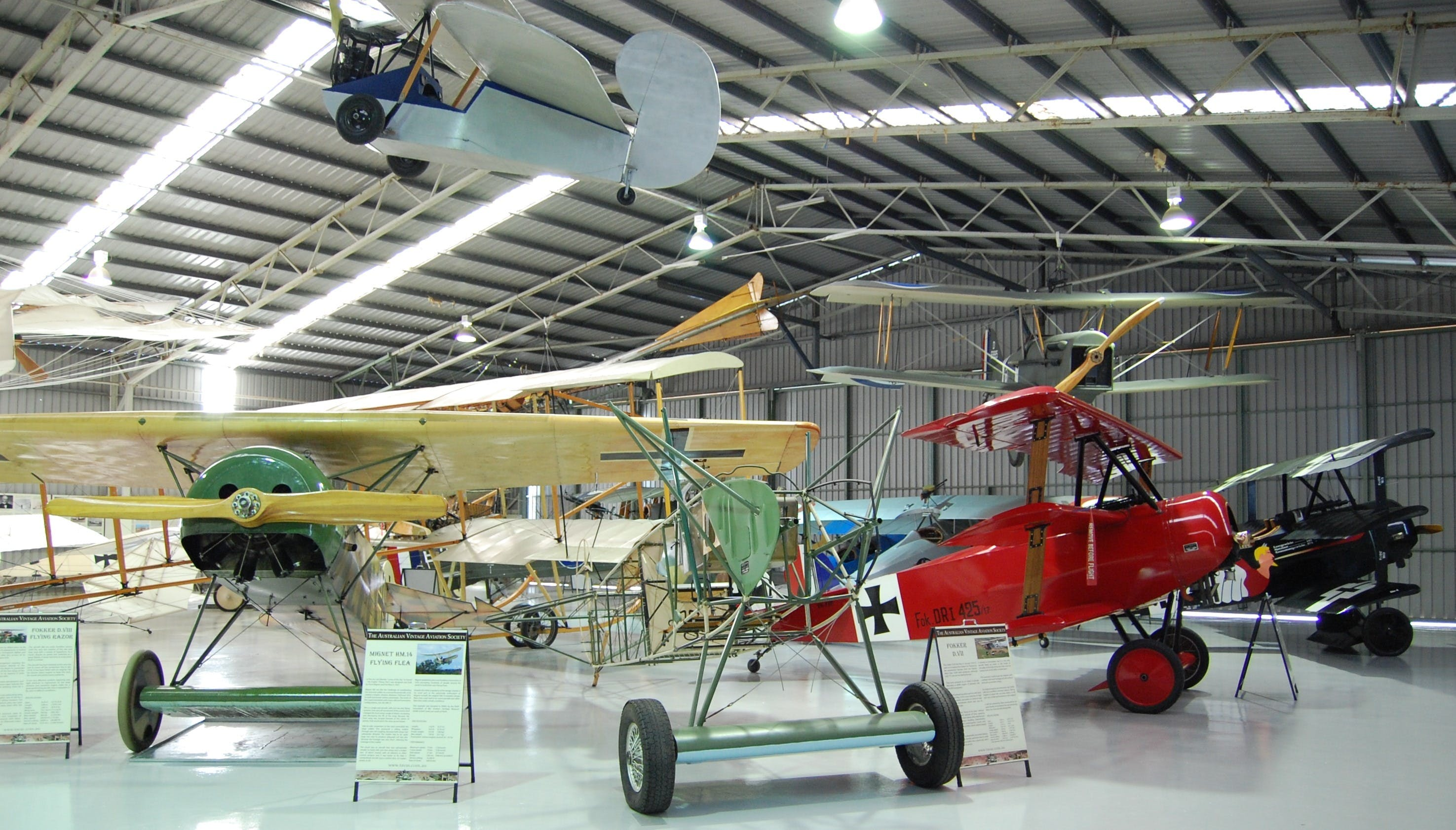 The Australian Vintage Aviation Society Museum - Lightning Ridge Tourism