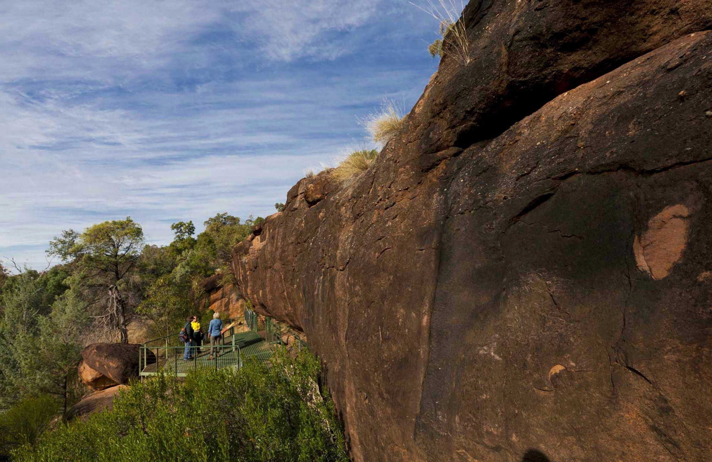 Mulgowan Yappa Aboriginal Art Site Walking Track - Lightning Ridge Tourism