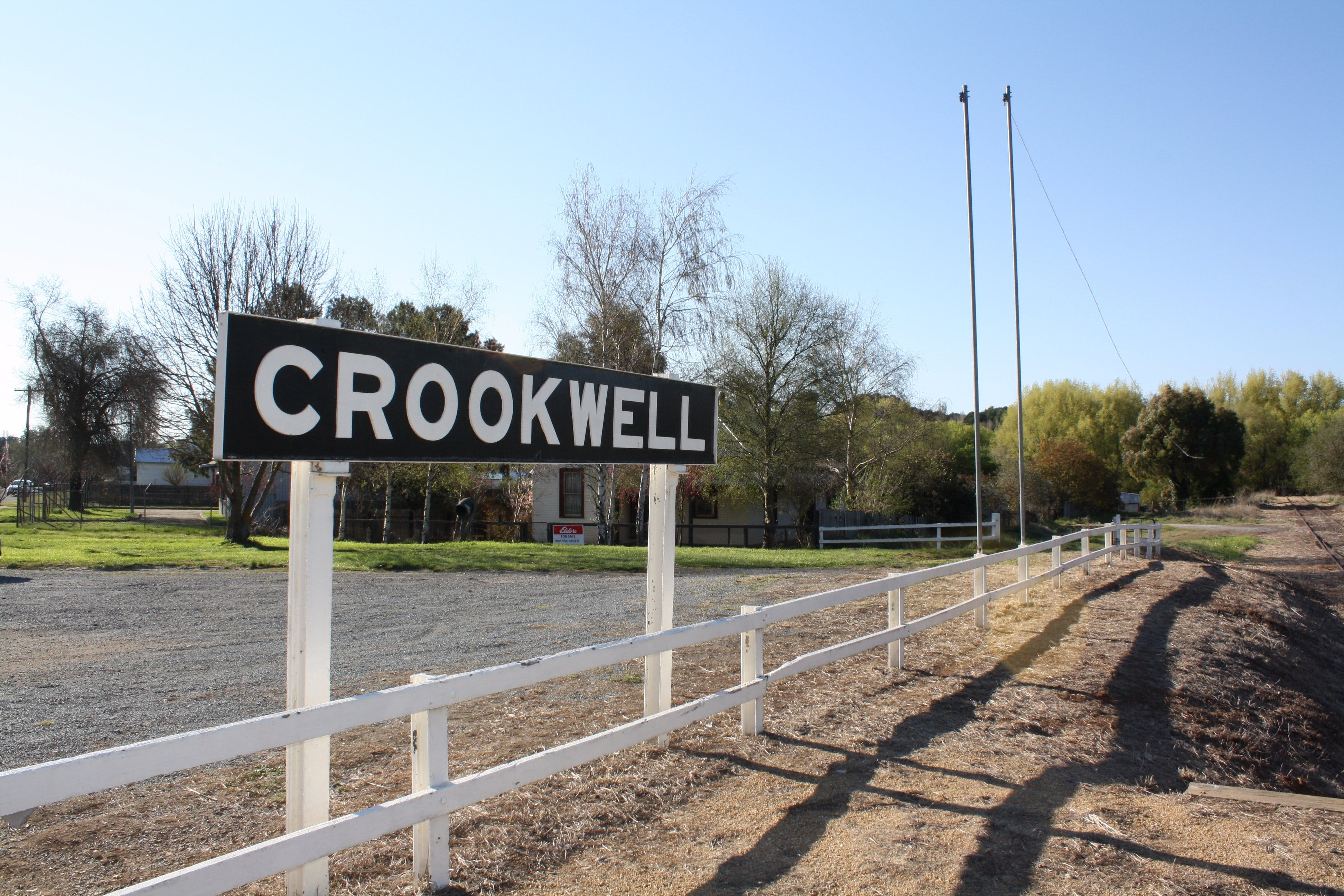 Crookwell Railway Station - Lightning Ridge Tourism