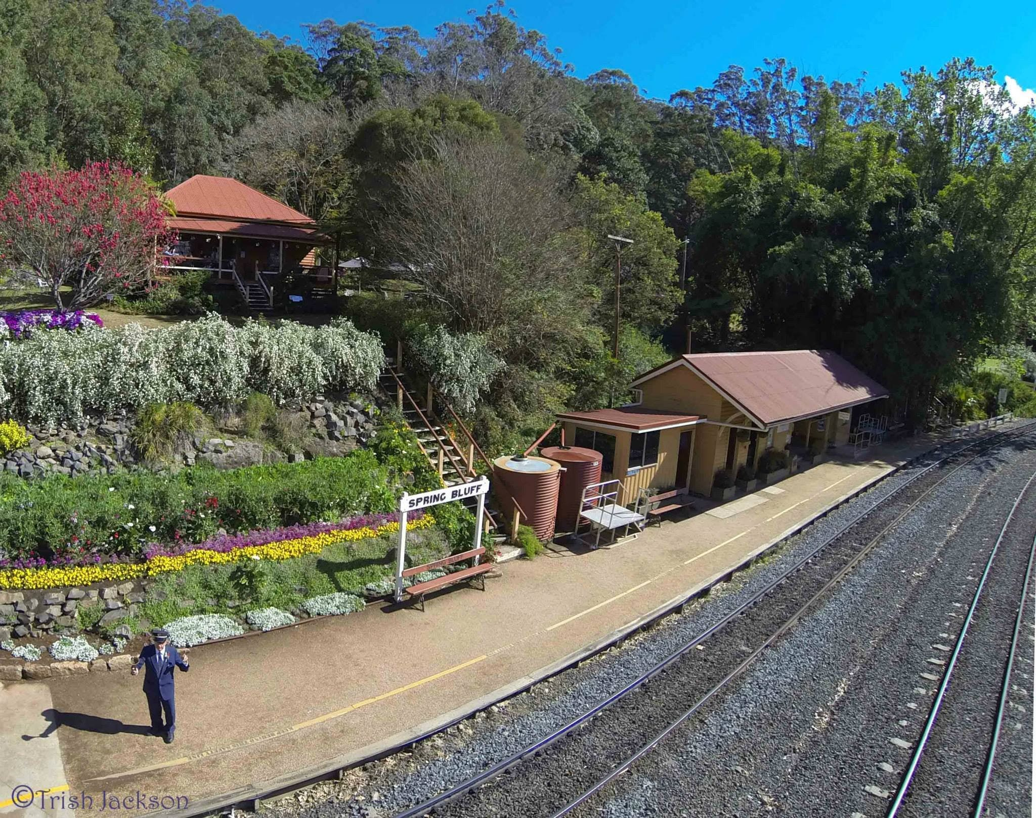 Spring Bluff Railway Station - Lightning Ridge Tourism