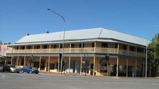 Colac Hotel - Lightning Ridge Tourism