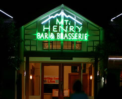 Mt Henry Tavern - Lightning Ridge Tourism