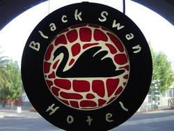 Black Swan Hotel - Lightning Ridge Tourism